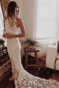 White Elegant Sleeveless Lace Sheath Evening Dress With Long Train