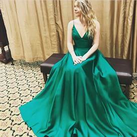 Emerald Green Spaghetti Strap V-Neck A-Line Satin Ball Gown Prom Dress