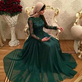 Emerald Green Long Sleeve A-Line Chiffon Prom Dress With Lace Bodice