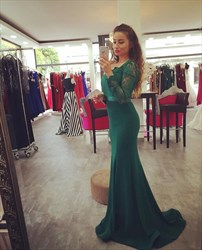 Emerald Green Long Sleeve Satin Mermaid Prom Dress With Lace Bodice