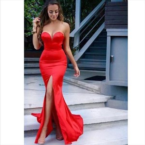 Simple Red Strapless Floor-Length Mermaid Prom Dress With Slit Front