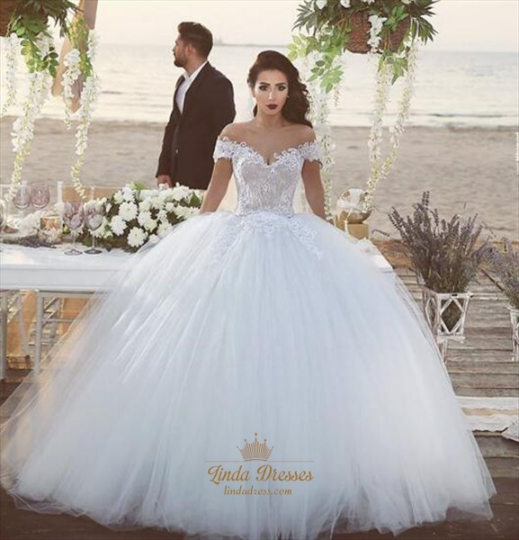 Elegant Off-The-Shoulder Lace Bodice Tulle Ball Gown Wedding Dress