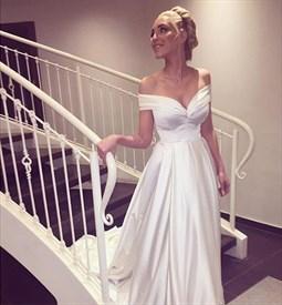 White Floor-Length Off-The-Shoulder V-Neck A-Line Beach Wedding Dress