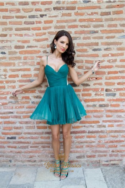 Spaghetti Strap V-Neck A-Line Ruched Chiffon Short Homecoming Dress