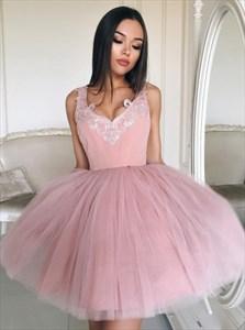 Short Sleeveless Applique V-Neck Homecoming Dress With Tulle Skirt