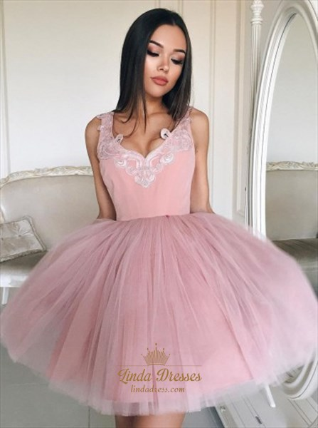Short Sleeveless Applique V-Neck Homecoming Dress With Tulle Skirt
