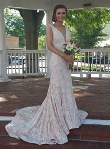 Plunging V-Neck Lace Mermaid Sleeveless Floor-Length Evening Dress