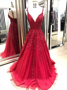 Red V-Neck Spaghetti Strap Lace-Applique Long Tulle Prom Dress