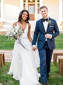 A-Line V-Neck Sleeveless Chiffon Beach Wedding Dress With Beading